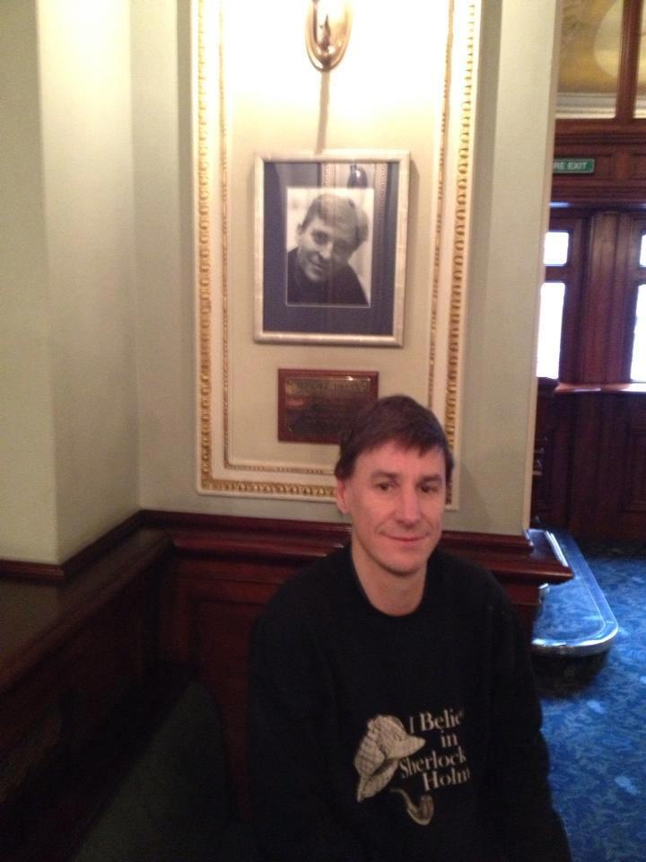 Plaque hommage à Jeremy Brett au Wyndham's Theatre