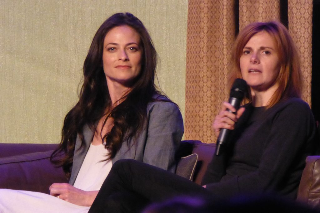 Lara Pulver et Louise Brealey à la Convention Sherlocked